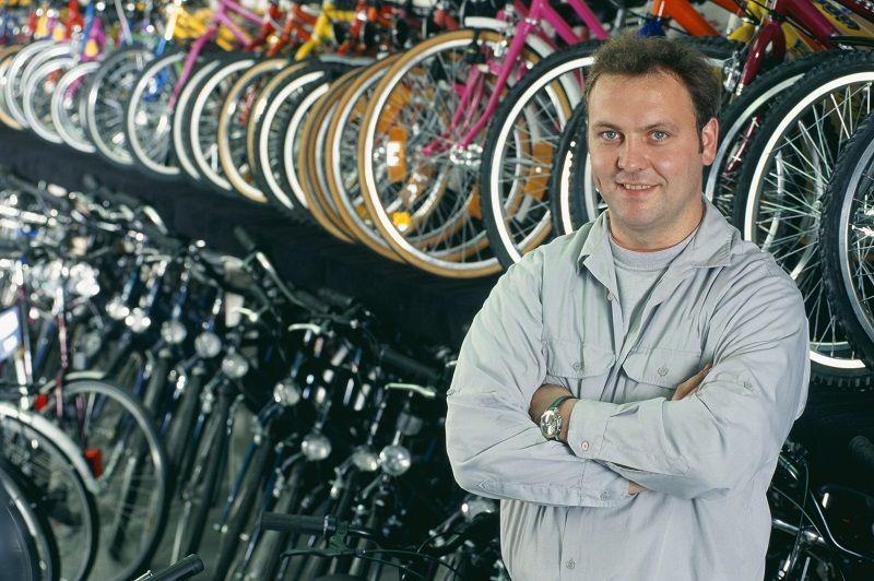 ABI Commercial Owner Man Standing Bike Shop cm